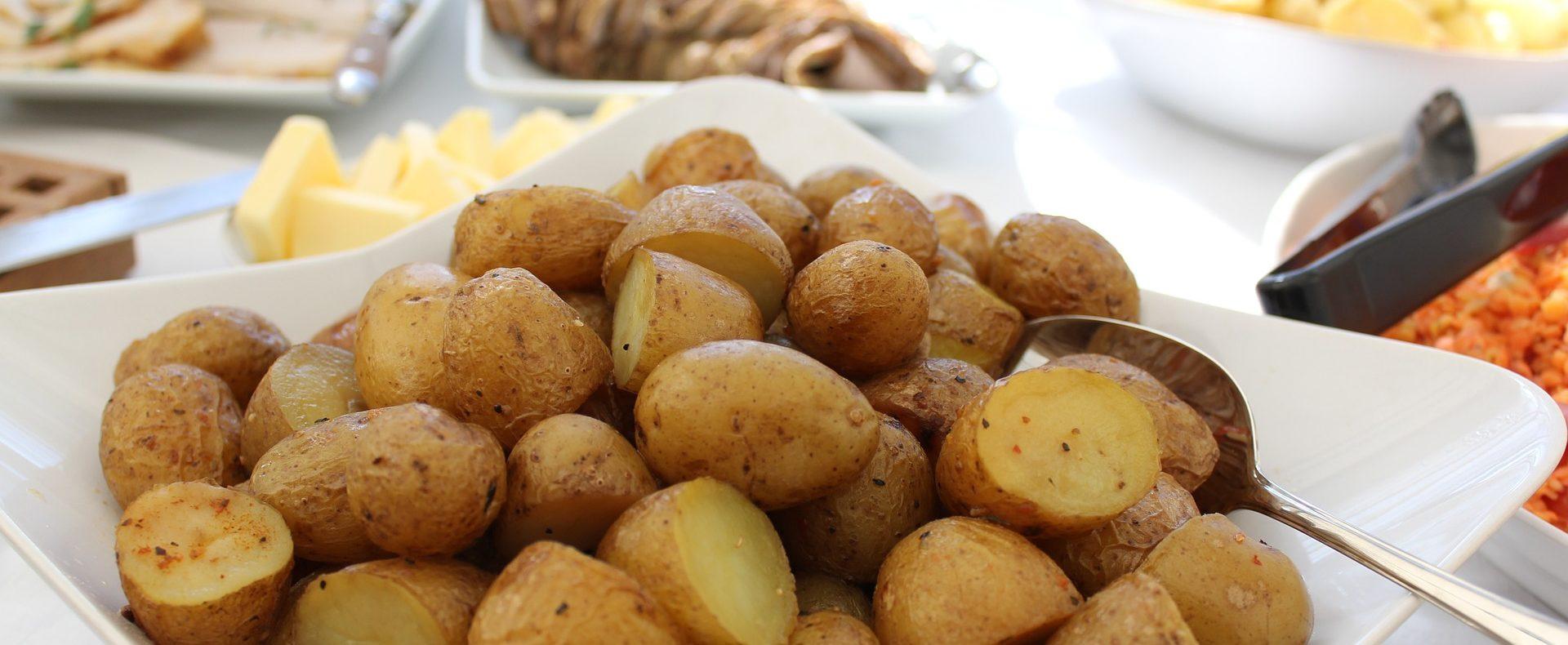 Catering / Partyservice - Warme Speisen: Buffet mit Ofenkartoffeln